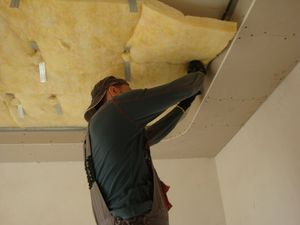 Шумоизоляция потолка в нише