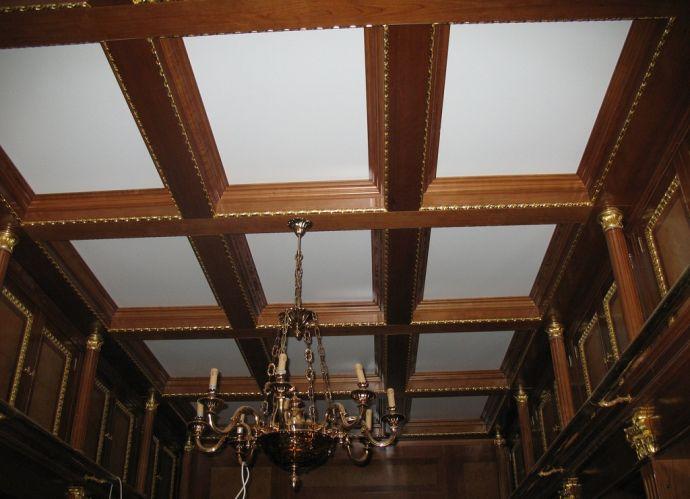 Красивый дизайнерский потолок