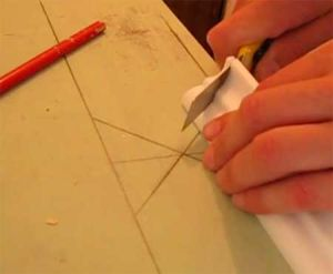 Технология отрезания потолочного молдинга под углом