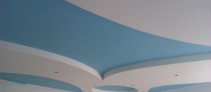 Потолок крашеный