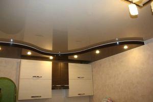 Потолок натяжной на кухне