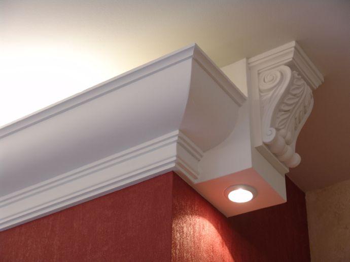 Потолочный плинтус из полиуретана с подсветкой