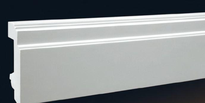 Белый полиуретановый плинтус