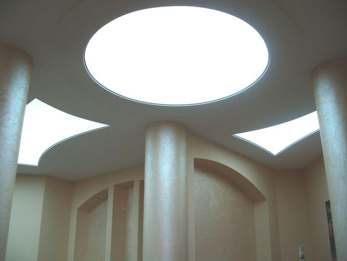Натяжной прозрачный потолок
