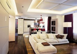 Дизайн потолка кухни-гостиной