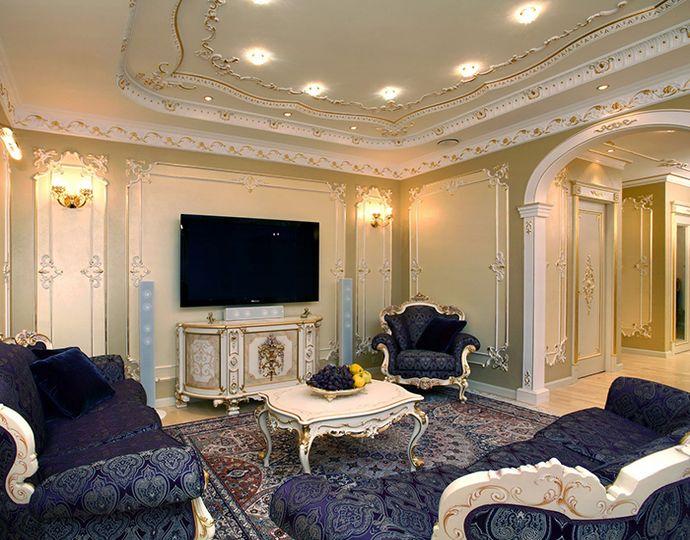 Вариант многоуровневого потолка в зале