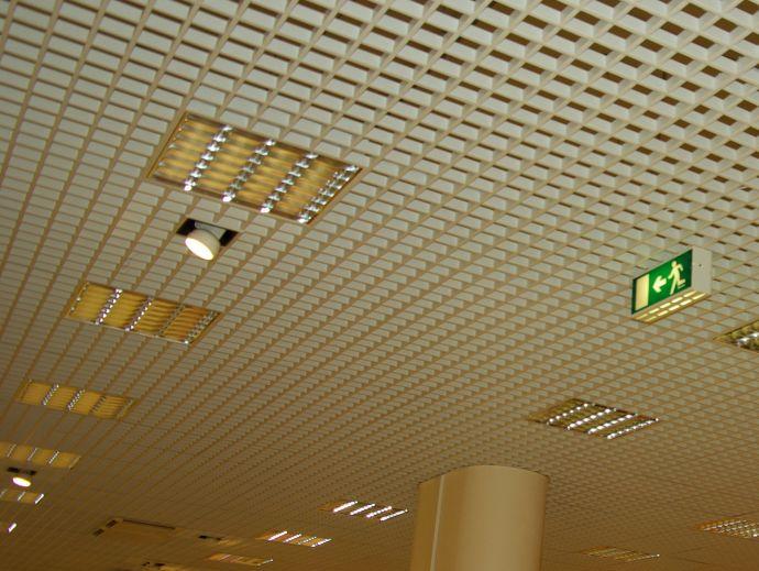 Листы пластика для потолка 96
