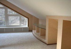 Наклонный натяжной потолок