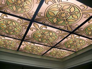 Подвесной потолок витражный