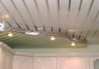 Подвесной потолок из ПВХ панелей