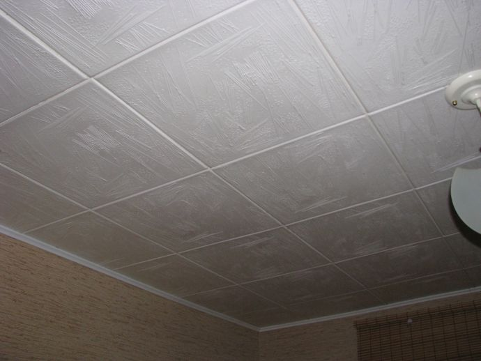 Бесшовная плитка на потолке